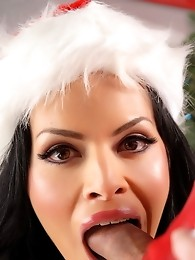 Two irresistible tgirls Foxxy and Jesse having xmas sex